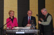 Susanne Schmidt und Prof. Peters