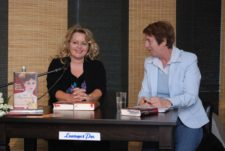 Petra Durst-Benning mit Margarete v. Schwarzkopf (NDR)